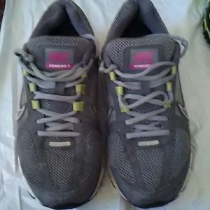 Women's Nike Zoom Vomero+ 7 Running Shoes